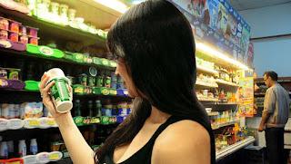 El último año se tomaron 4 litros menos de leche por persona. También cayeron yogures y quesos. Lo atribuyen a que se encarecieron 39%.