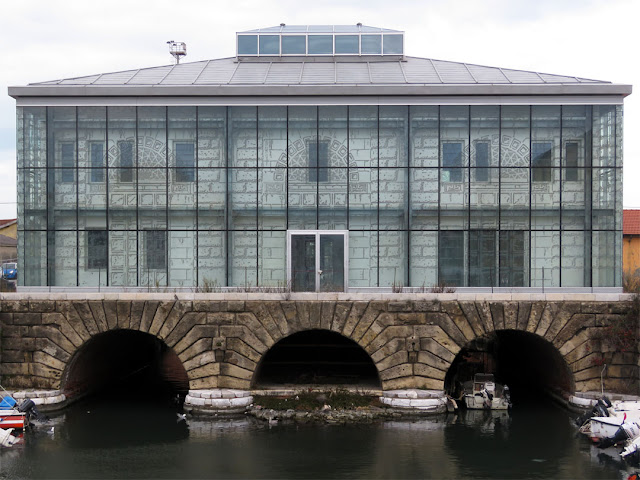 The new building of the Dogana d'acqua (Customs on the Water), seen from the Scali Cerere footbridge, Livorno