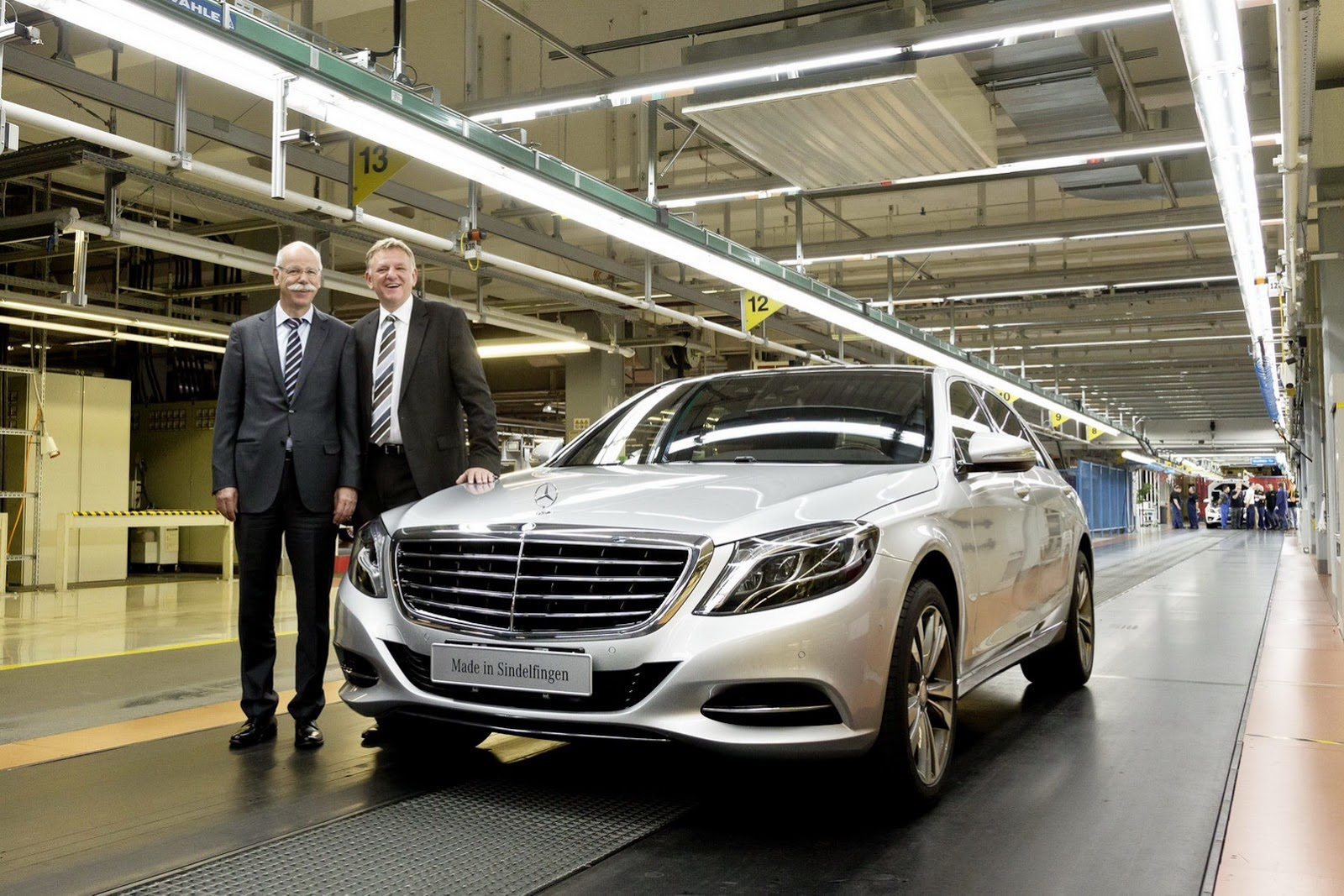 mercedes ditching robots for humans on s-class production line