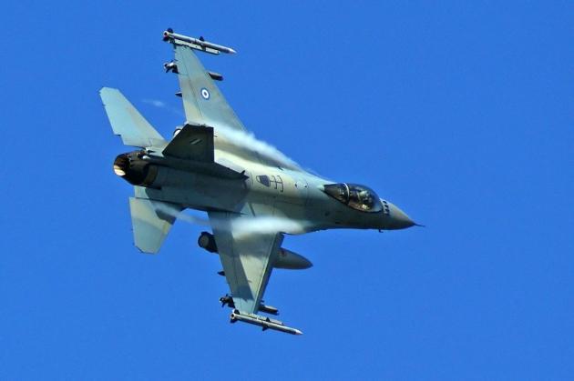 Ελληνικά F-16 πετάνε πάνω από την Κύπρο – Αιφνιδιάστηκαν οι Τούρκοι – Οι «αετοί» της ΠΑ έστειλαν μήνυμα στην Άγκυρα (ΒΙΝΤΕΟ)