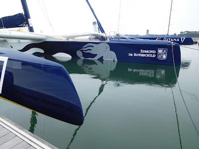 Gitana 17 à quai à Lorient