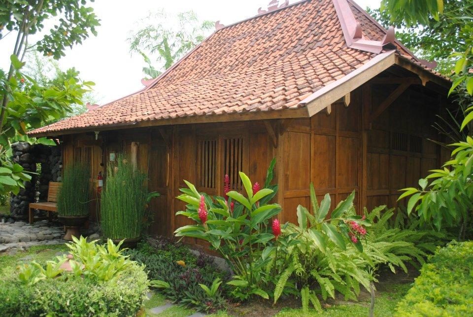 indonesian ancient Rumah Khas Penduduk Jawa Tengah dan DIY
