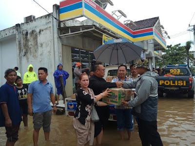Partai NasDem Lampung Timur Beri Bantuan Korban Banjir Sukadana