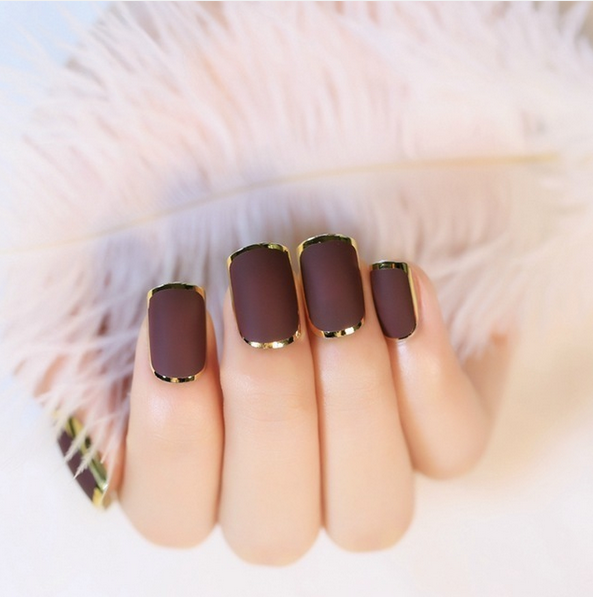 http://www.lush-fab-glam.com/2016/11/style-me-pretty-fall-manicures.html