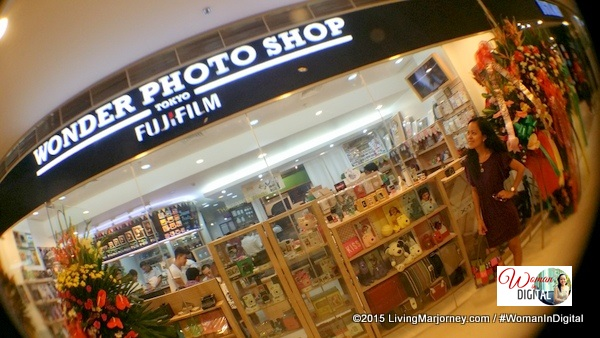 FujiFilm Opens Wonder Photo Shop In Manila