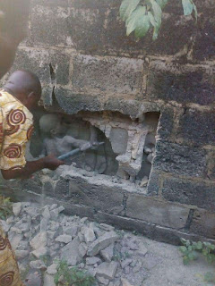 Mysterious  Boy Seen in Middle of a  Concrete Wall in Ondo State [Photo ] 2