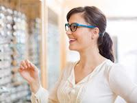 4 Pertimbangan Dalam Memilih Frame Kacamata, Wajib Baca Guys