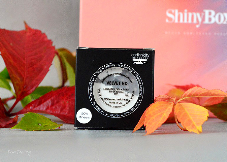 ExtraBox Beauty&Shape by ShinyBox - Earthnicity Puder utrwalająco-matujący Velvet HD