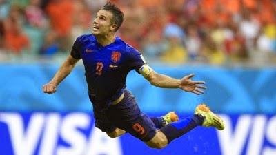El cabezazo de Robin Van Persie, uno de los cinco goles que marcó el viernes Holanda ante España (5-1) en el Mundial de Brasil, desató un torrente de más de de 183.000 tuits en un solo minuto, anunció Twitter a la AFP. La humillante derrota de la vigente campeona del mundo generó un total de más de 8,3 millones de tuits en todo el mundo durante la retransmisión del partido. El primero de los dos goles de Van Persie, en el minuto 44, dio lugar a 183.076 tuits en 60 segundos, el de Stefan de Vrij (min 64) a 181.726