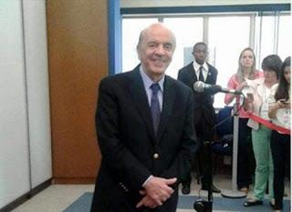 José Serra É Flagrado Dando Risadas E Na Maior Descontração Em Velório De Teori