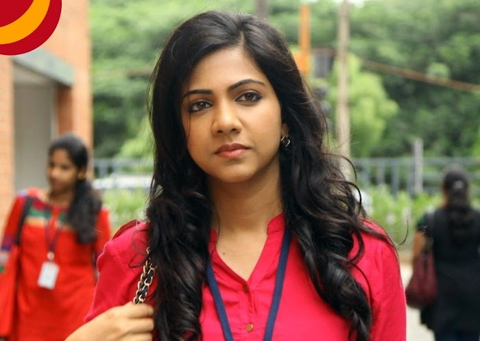 Madonna Sebastian Hot Photo Gallery and Pictures