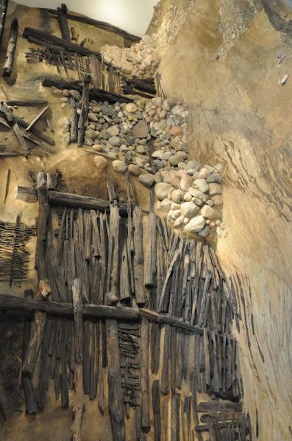 Genius loci - rezerwat archeologiczny eksponujący in situ wał piastowskiego grodu na poznańskim Ostrowie Tumskim