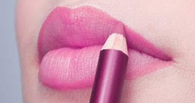 cara-memakai-lipstik-yang-benar-dan-tahan-lama,cara-memakai-lipstik-untuk-bibir-hitam,cara-memakai-lipstik-sesuai-bentuk-bibir,cara-memakai-lipstik-bibir-tebal,