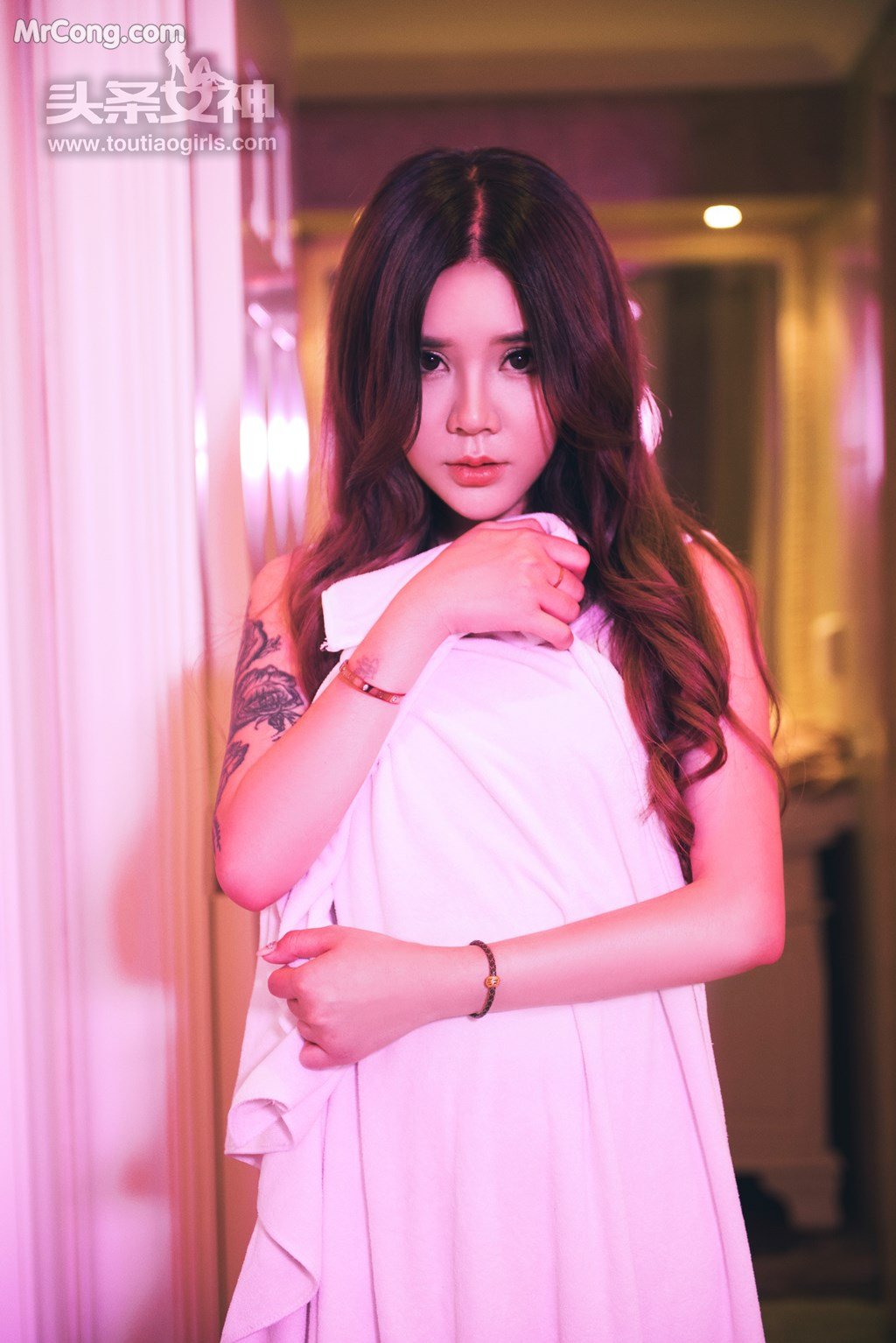 Image TouTiao-2017-08-18-Lisa-Aili-Sha--Jiu-Er-MrCong.com-023 in post TouTiao 2017-08-18: Người mẫu Lisa (爱丽莎) và Jiu Er (九儿) (52 ảnh)