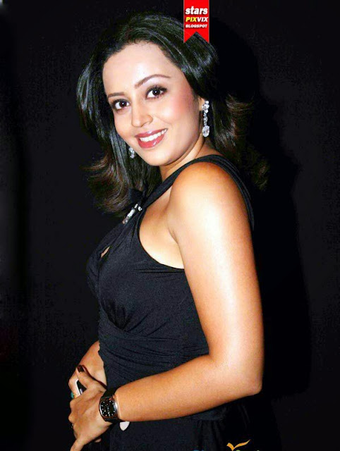 Bold Neha Pendse In Black Dress  Cute Marathi Actresses -6772