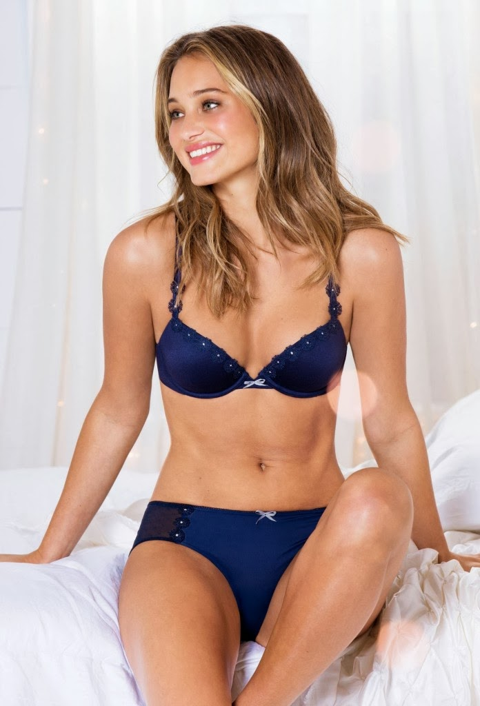 249c50912 American model Hannah Davis show of her hot body for Aerie sexy lingerie  photoshoot