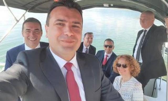 Σκοπιανό: H selfie του Ζάεφ πηγαίνοντας στις Πρέσπες