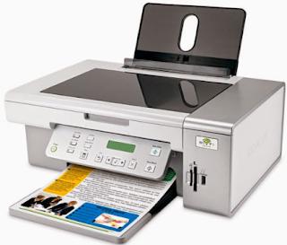 Der Lexmark X4450 bietet neben dem kabellosen und USB-Druck eine Funktionsküche. Es ist auch ein Scanner und Kopierer, und es verarbeitet digitale Medien sehr gut