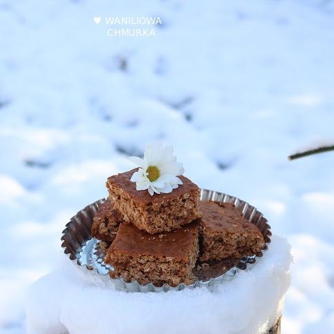 Miodowe ciasto z płatkami owsianymi