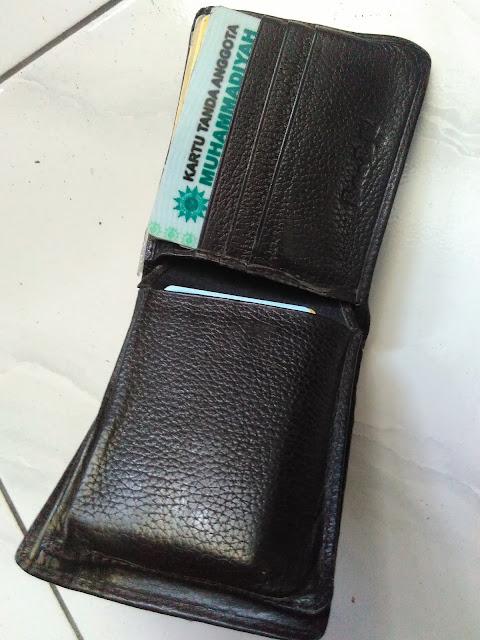 Dompet yang hilang