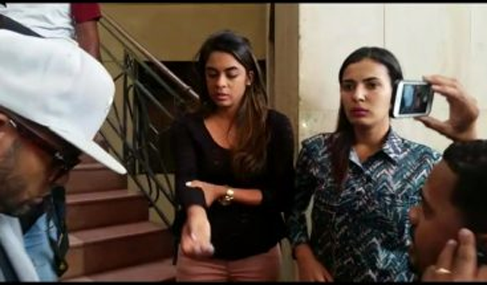 Mujer denuncia fue agredida por agentes de la Policía camino al aeropuerto Las Américas