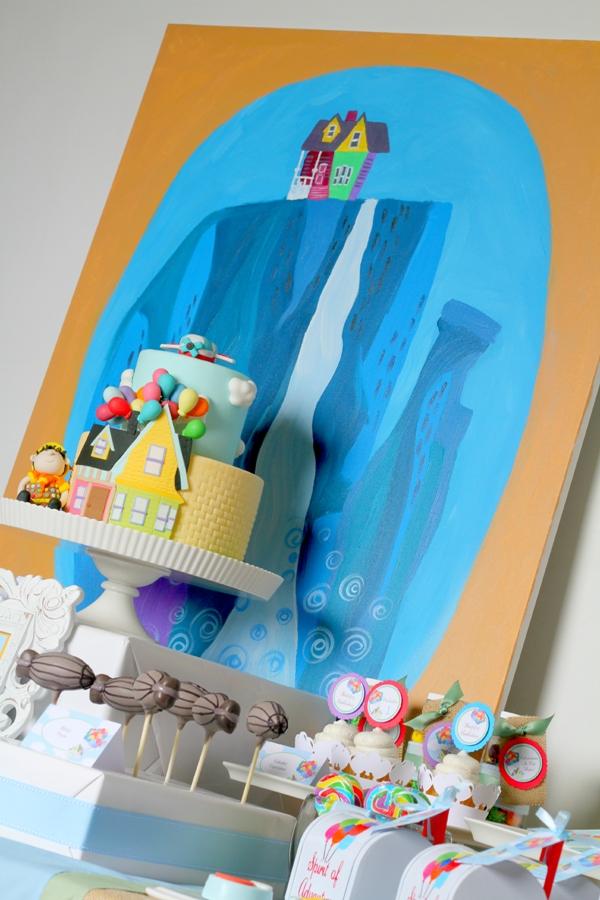 Up Movie Inspired Balloon Birthday Party Ideas - via BirdsParty.com