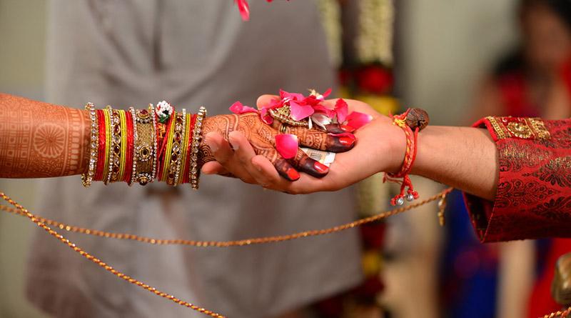हिन्दू धर्म के 16 संस्कार - 16 Sanskars of Hindu Religion - Apni Kahaani is Best Hindi Blog for Hindi Quotes, Inspirational Hindi stories