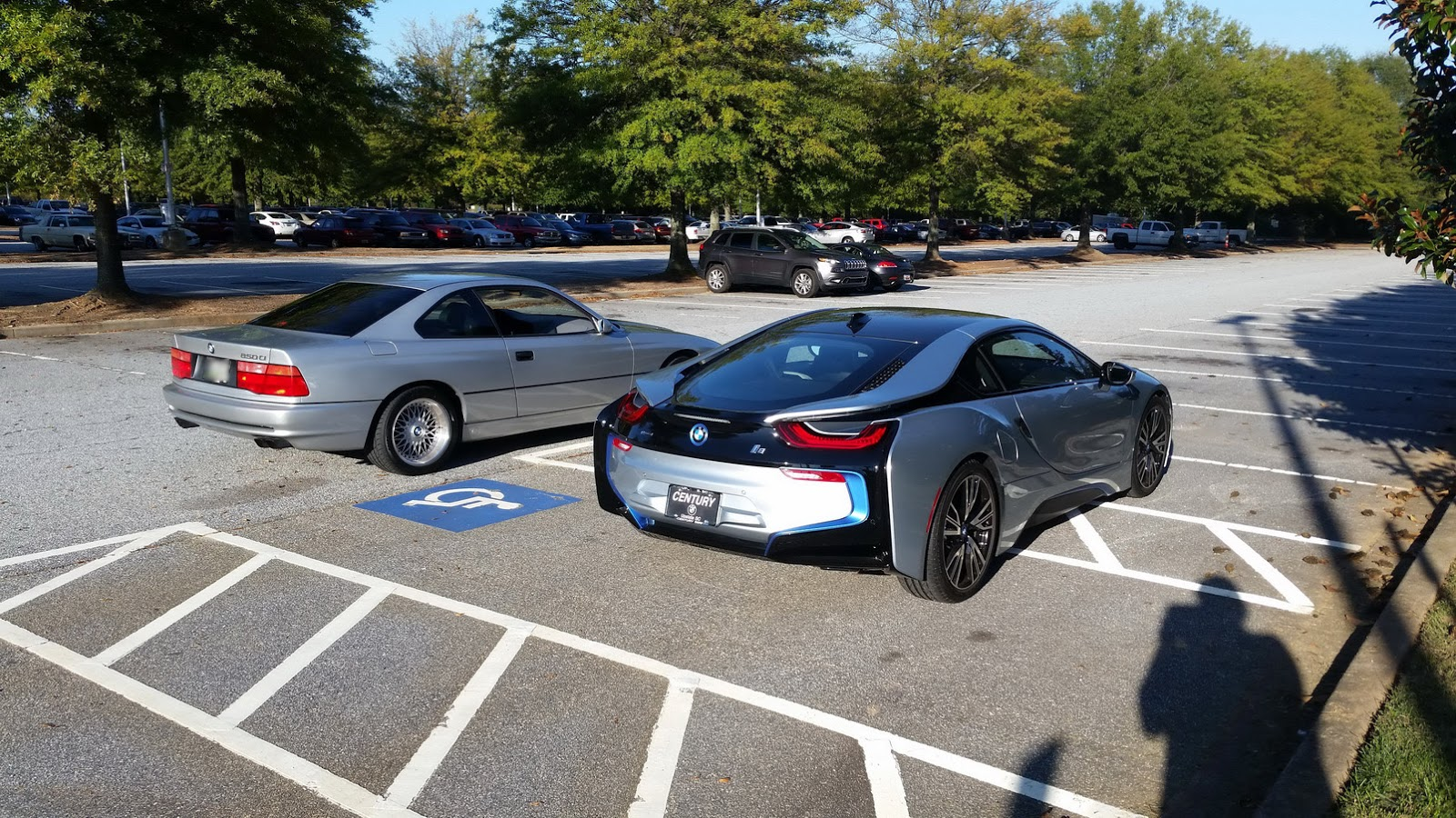 bmw i8 meets 850ci two very different 8s which one would you take. Black Bedroom Furniture Sets. Home Design Ideas