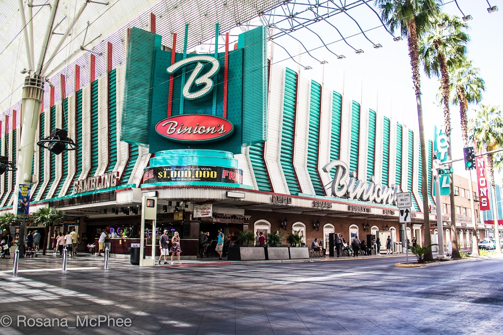 A Stroll Through Downtown Las Vegas - Hot and Chilli