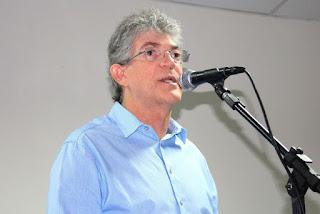 Ricardo Coutinho anuncia oficialmente o nome de João Azevedo para substitui-lo