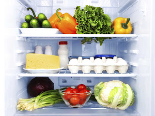 Когда убираться в холодильнике?