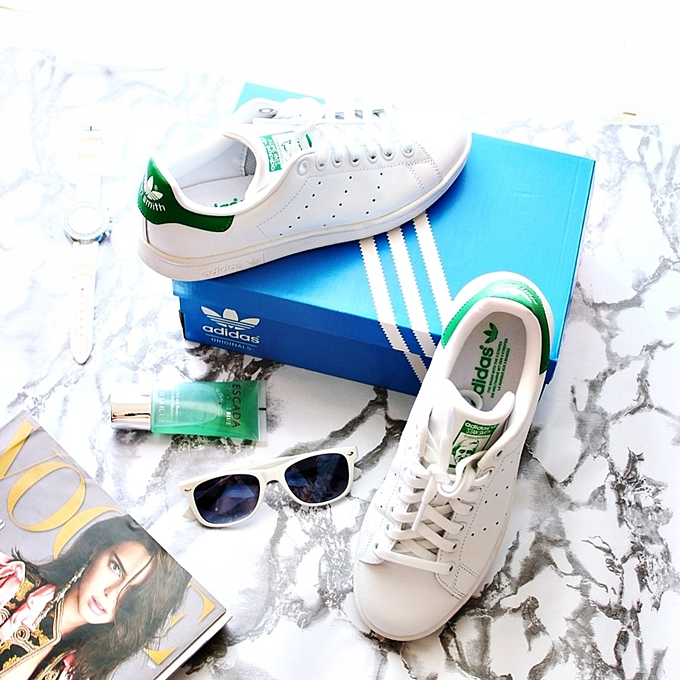Adidas Stan Smith white sneakers with green details.Adidas Greece.