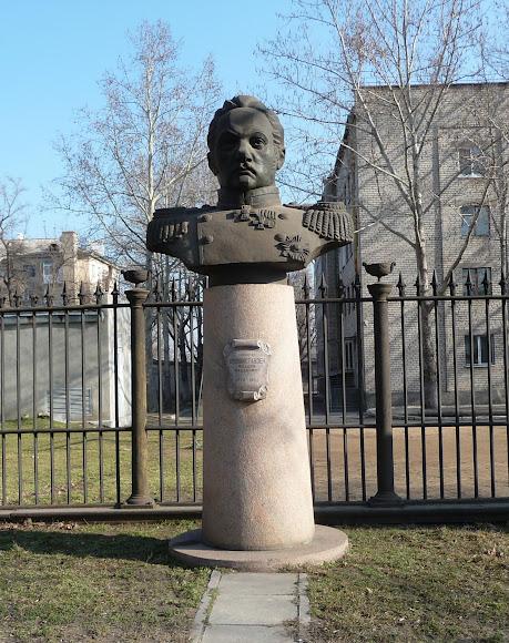 Николаев. Памятник адмиралу Ф. Ф. Белинсгаузену