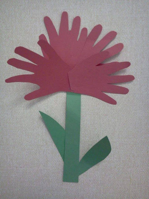 Idea to make flowers from paper handprint for kids 6