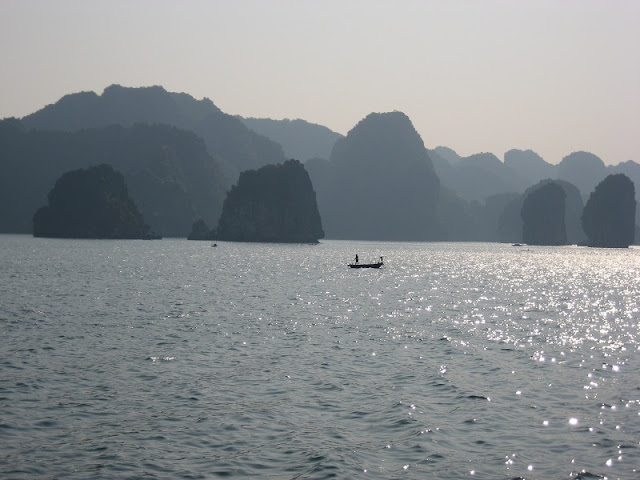 The best experience to do in Halong Bay, Vietnam