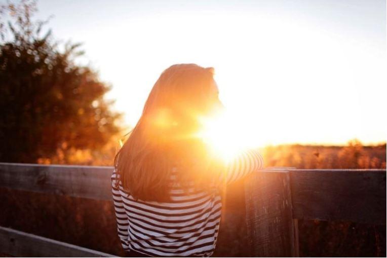 Karena Move On Bukan Ajang Balapan. Ini 7 Alasan Kamu Nggak Perlu Buru-buru Cari Pacar Baru