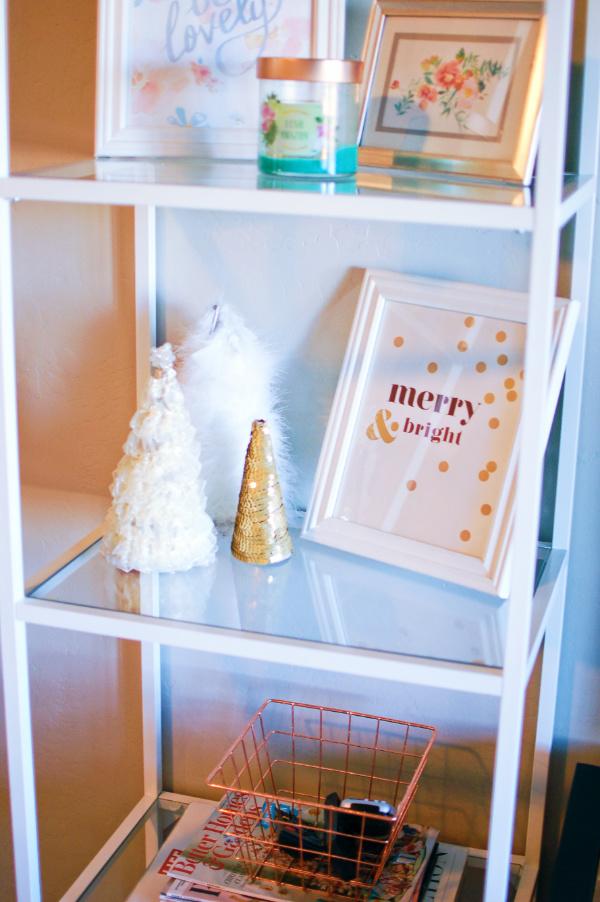 DIY holiday shelf decor!