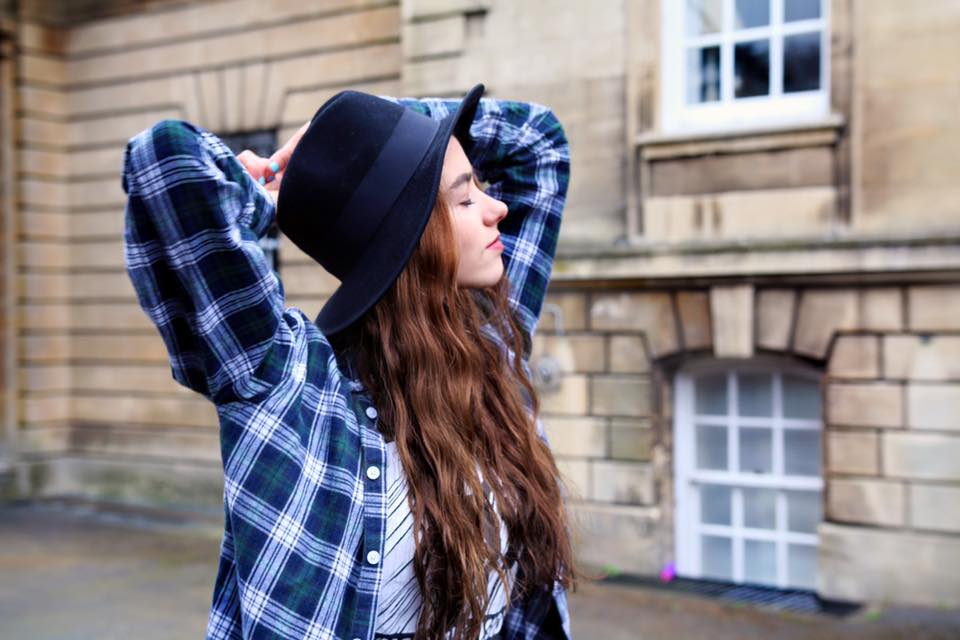 hat, eyebrows, amelia, mandeville, happy, pose, blogger, fashion blog, fashion blogger, indie, fashion, grunge, pop rock, ottd, outfit of the day, british blogger, fashion blogger, makeup, beauty  indie, hipstier, grunge, pixie, dark