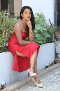 Mamatha sizzles in red Gown at Katrina Karina Madhyalo Kamal Haasan movie Launch event 007.JPG
