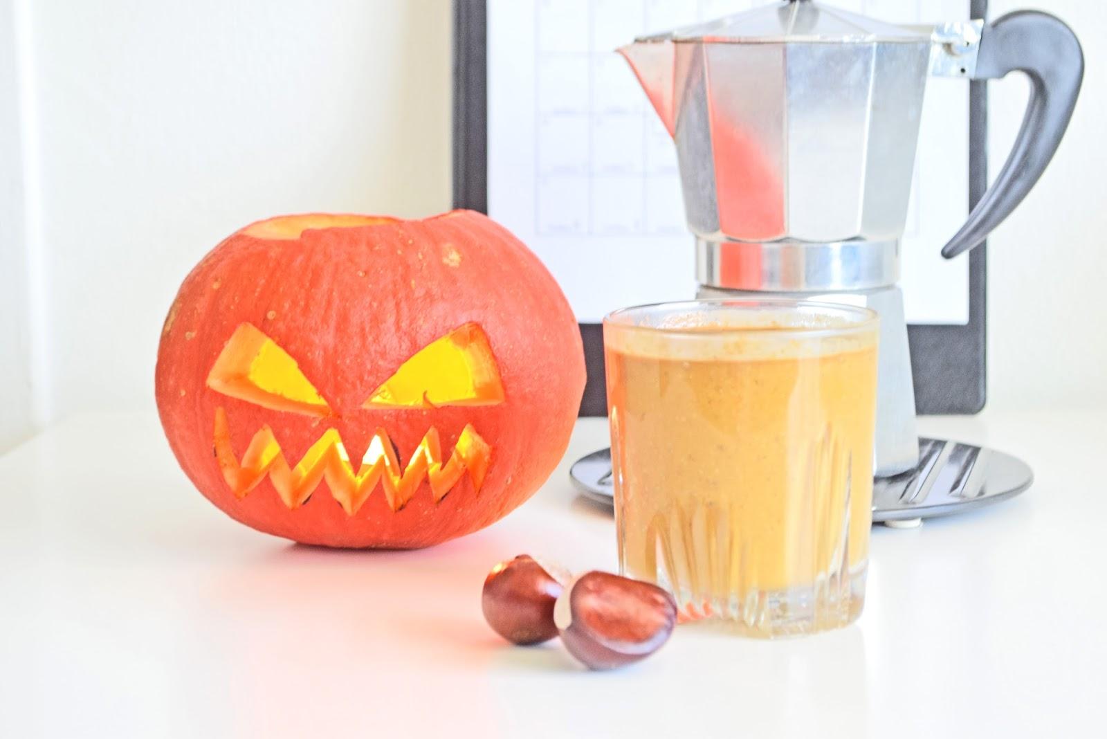 Pumpkin Coffee Latte & dessert with pumpkin and banana