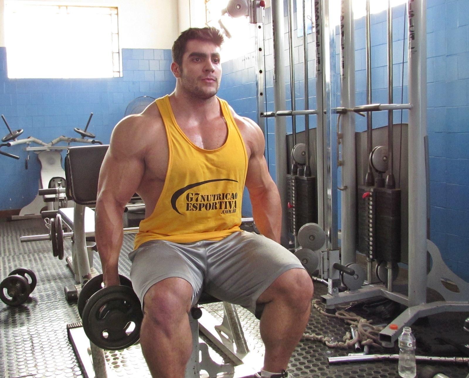 Muscle Lover: Brazilian Superman: Felipe Mattos