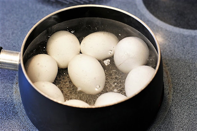 Cooking Hard Boiled Eggs Image