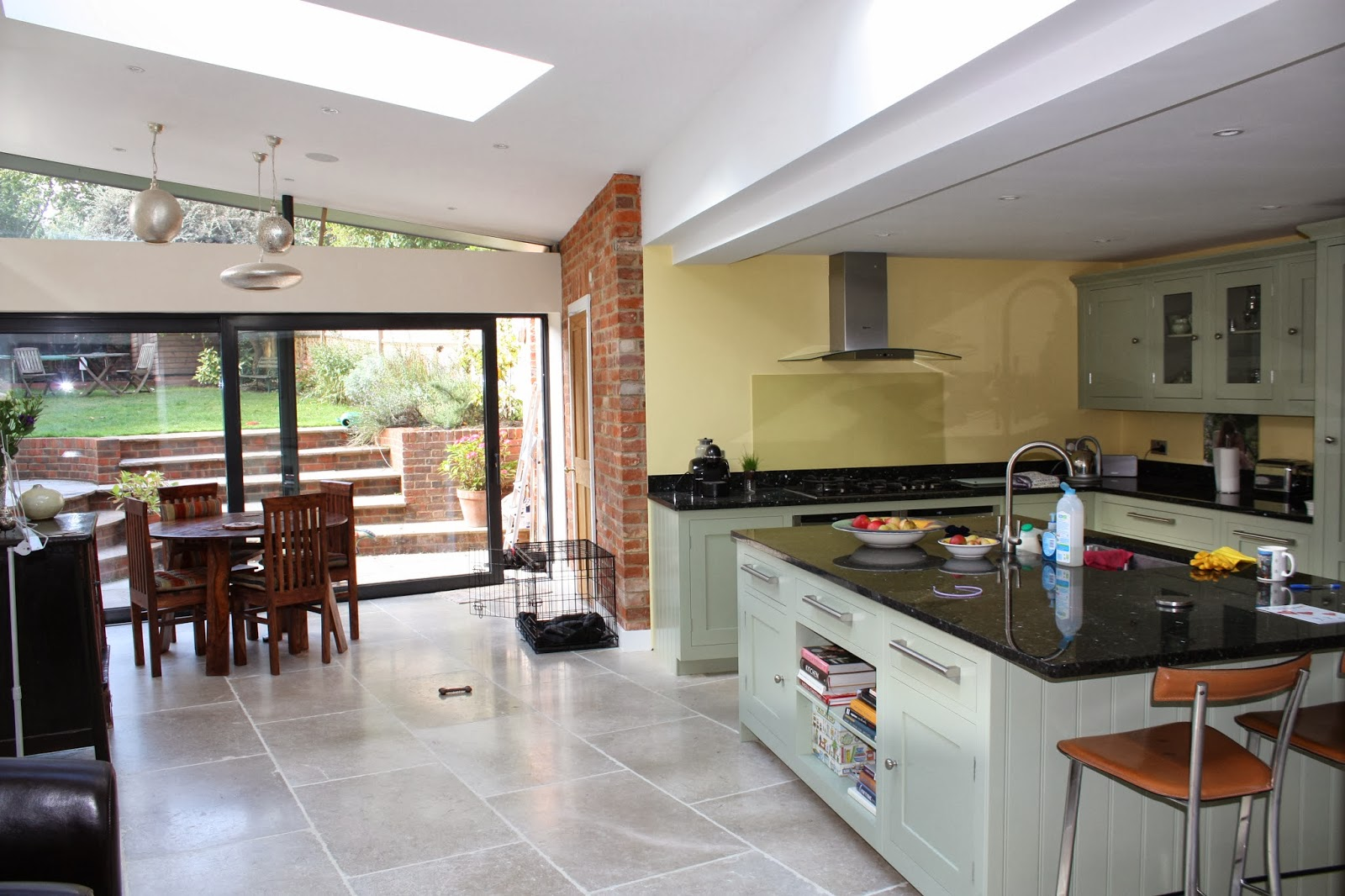 Decor in kitchen extension