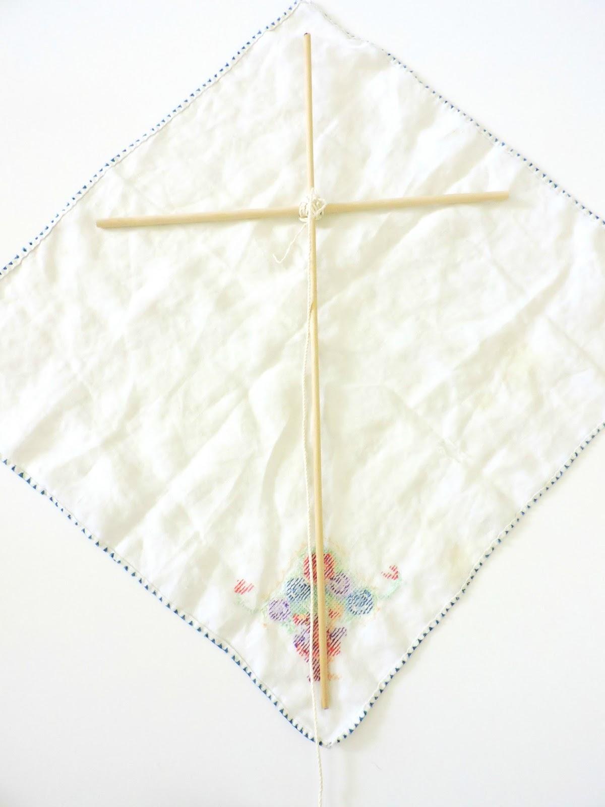 stormieariel diy vintage fabric kites