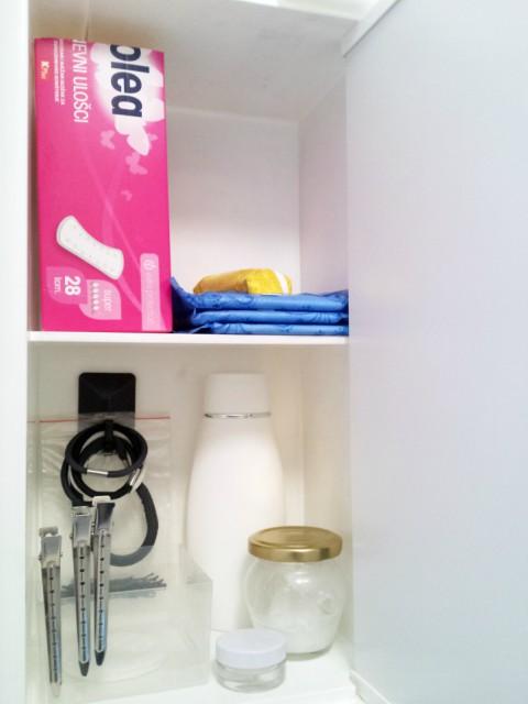 Kukice - vješanje gumica za kosu u kupaonskom ormariću