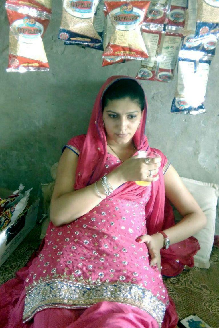 22 punjabi bhabhi in pink salwar suit selfie wid moans - 2 5