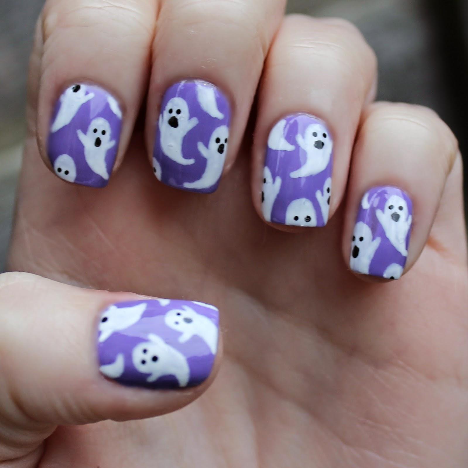 Dahlia Nails: Cute Ghost Nails For Hallowe'en