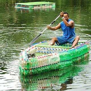 Kerajinan Tangan Perahu dari Botol Bekas