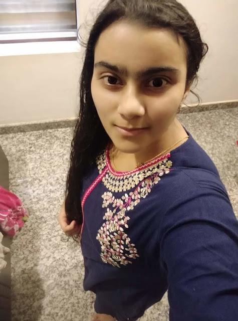 Horny Desi Girl Selfie Pics
