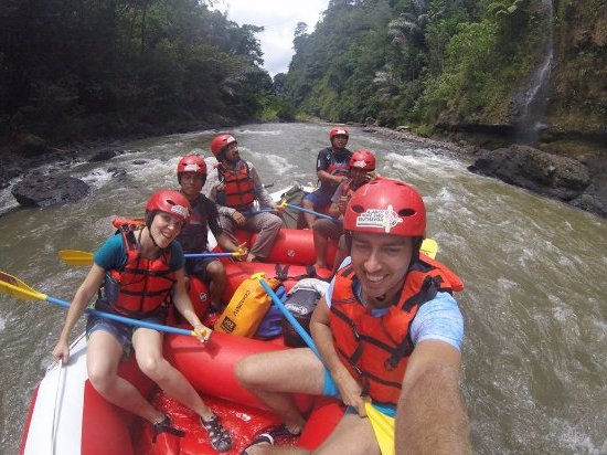 Tour Toraja 4 Hari 3 Malam plus Rafting